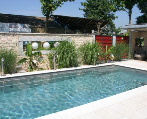 Sichtschutz pool great moderner garten terrasse pool - Schwimmpool fur garten ...